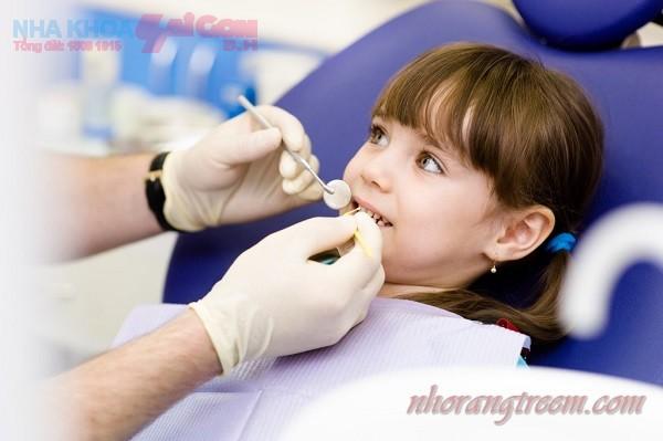 Nên nhổ răng sữa cho trẻ em ở đâu thì tốt?