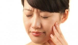 Phương pháp chỉnh nha niềng răng có đau không?