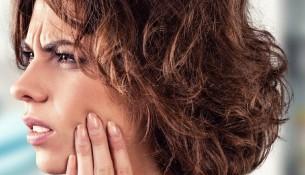 Cách chăm sóc răng miệng khi mọc răng khôn hàm dưới