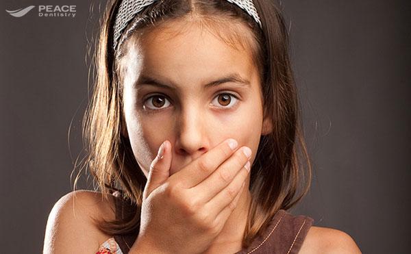 Nguyên nhân và cách điều trị hôi miệng ở trẻ em