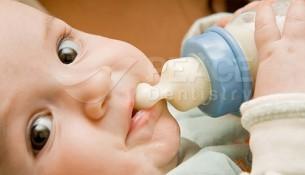 5 điều cần tránh để phòng bệnh răng miệng cho trẻ